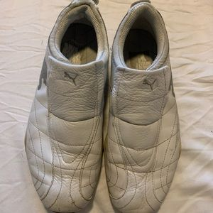 Women's Puma shoes white and gray